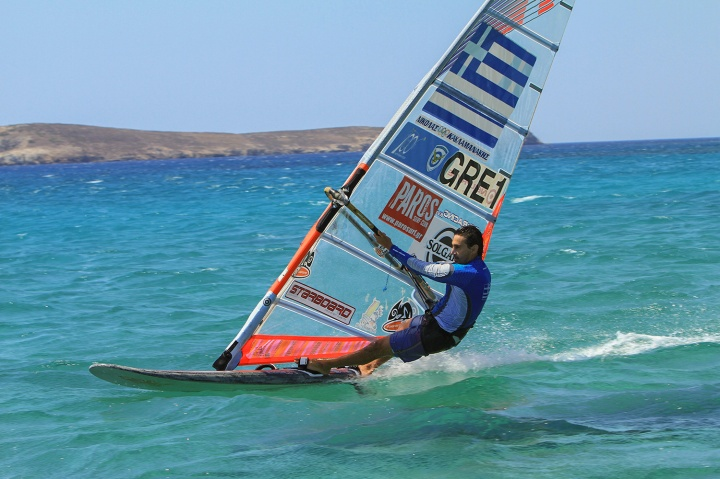 307_windsurfing-na-kikladax-1