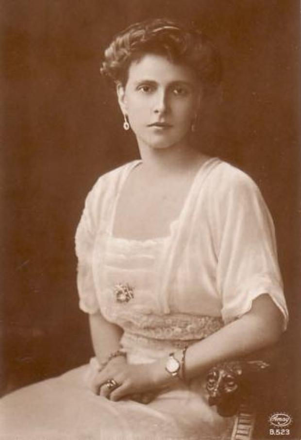 1885_Alice (1)