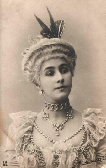 Camargo-Mathilde_Kschessinskaya-1897