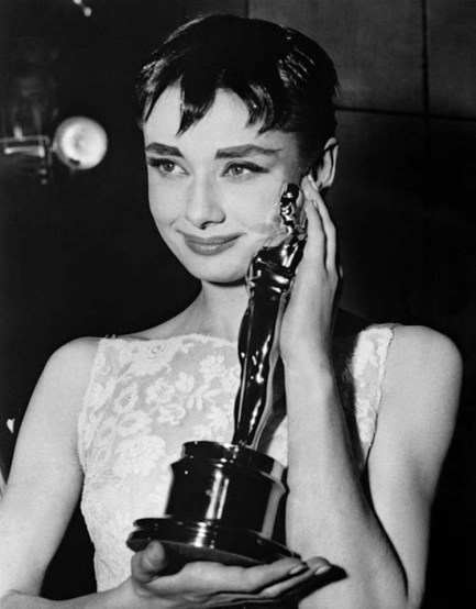 1445886175_audrey-hepburn-facts-3