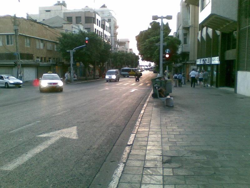 Йоси настоял вернуться  на любимый маршрут …памяти жертв теракта  на улице Аленби